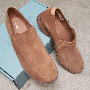 TOMS Shaye amber suede